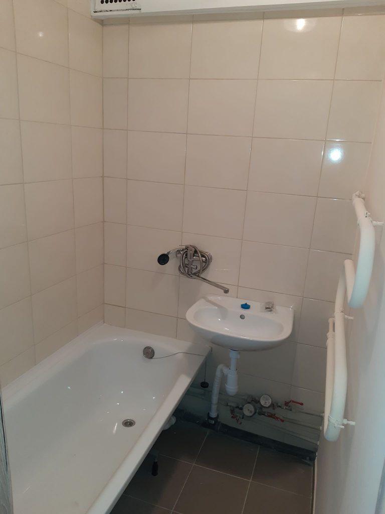Vaizdas PO vonios kambario atlikto kapitalinio remonto   santechnikos darbai.