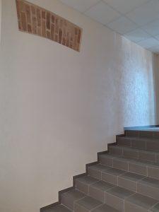 """""""Saulės Dominija"""" - nuo š.m. gegužės mėn. vykdo Šiaulių miesto poliklinikos renovaciją. Laiptai PO remonto."""