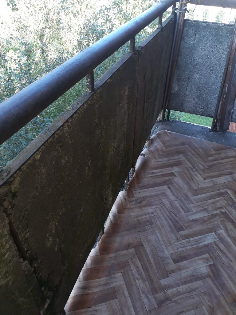 Balkono vaizdas PRIEŠ remontą.